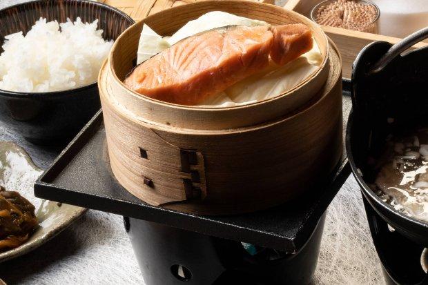 鮭と野菜の蒸籠蒸し