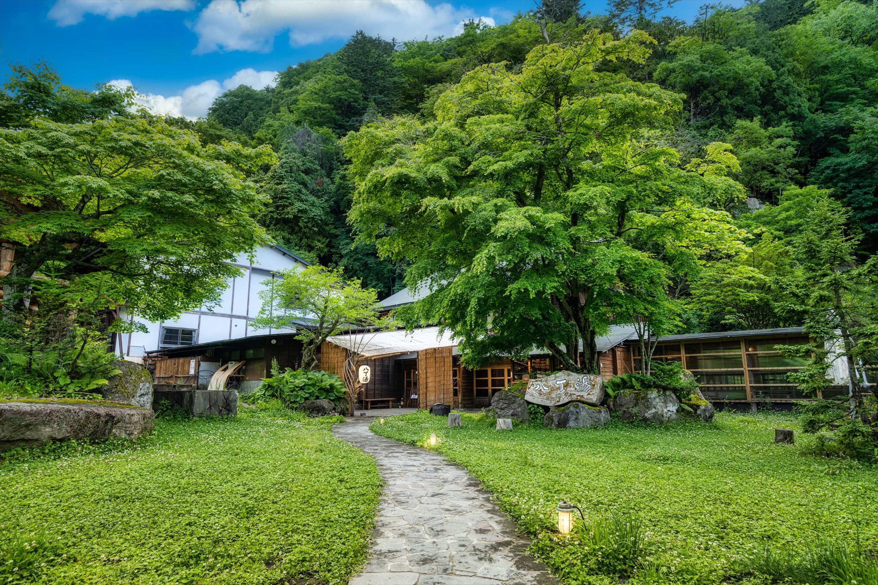 Relax in Nostalgic Ambience  of Mountain Hot Springs